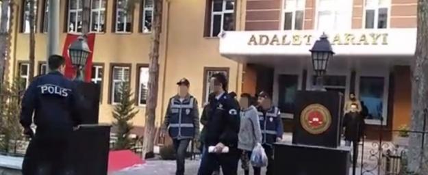 Niğde'de Dolandırıcı 3 Kadın Tutuklandı