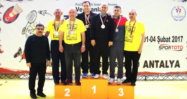 """Üniversitede 'Türkiye Badminton Şampiyonası"""" Sevinci"""