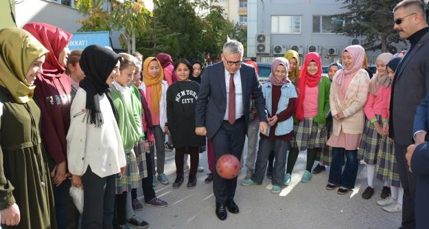 Vali Şimşek'ten Okul Güvenliği Ziyareti