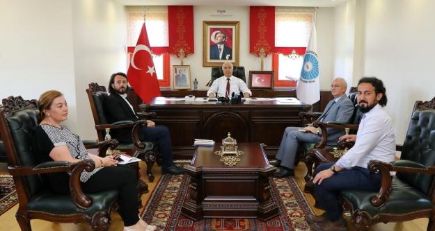 Türkiye Maarif Vakfından Rektöre Ziyaret