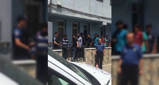 Ulukışla ilçesinde 28 kaçak göçmen yakalandı