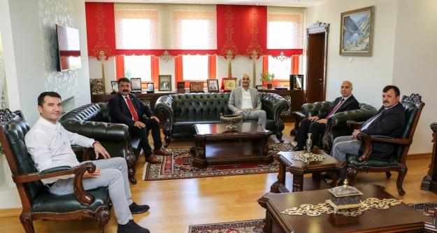 Milletvekili Olcay Kılavuz'dan Rektöre Ziyaret