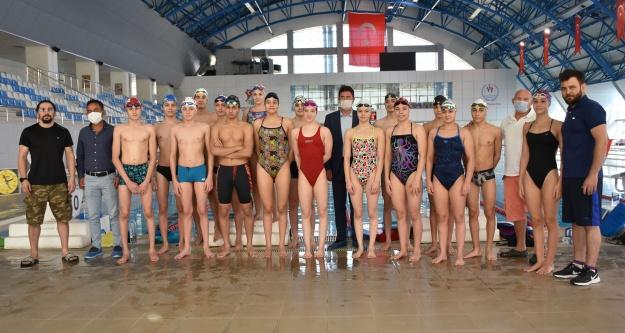 18 milli yüzücü Niğde'de kampa girdi