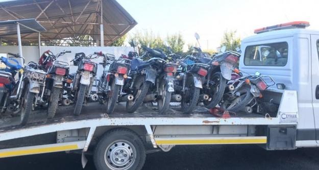 Bor'da 7 tescilsiz motosiklet trafikten men edildi