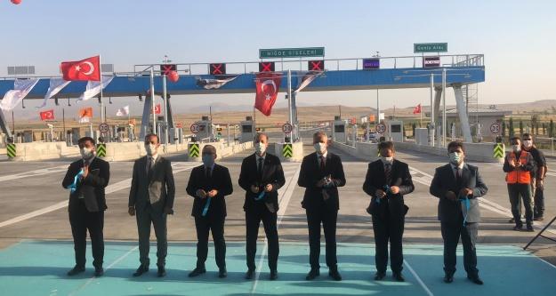 Cumhurbaşkanı Erdoğan, Türkiye'nin en akıllı otoyolu Ankara-Niğde Otoyolu'nu açtı