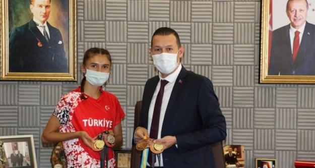 Balkanların en hızlısı Şevval'den Başkan Baran'a ziyaret