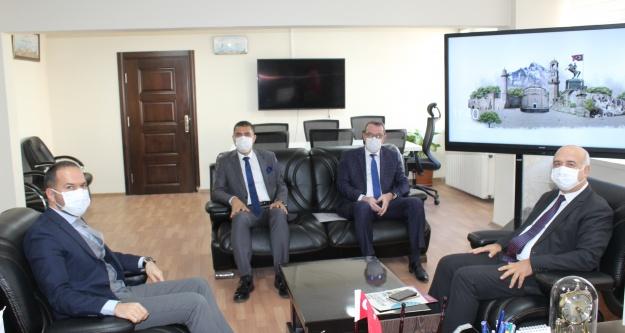 Rektör Kardan Başkan Özdemir#039;e ziyaret