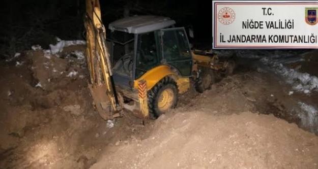 Kepçeli Kazıcıları Bor Jandarması Yakaladı!
