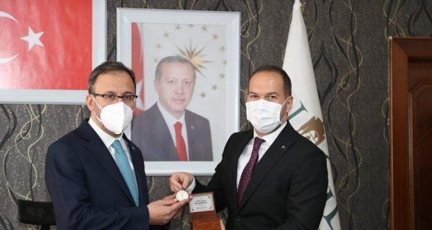 Bakan Kasapoğlu'dan Niğde Belediyesine Ziyaret