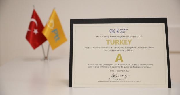 """PTT'ye 'A kalite"""" hizmet ödülü"""