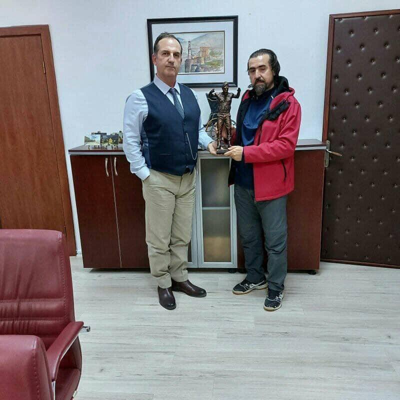 Heykeltraş Çağlar'dan Göncü'ye Ziyaret