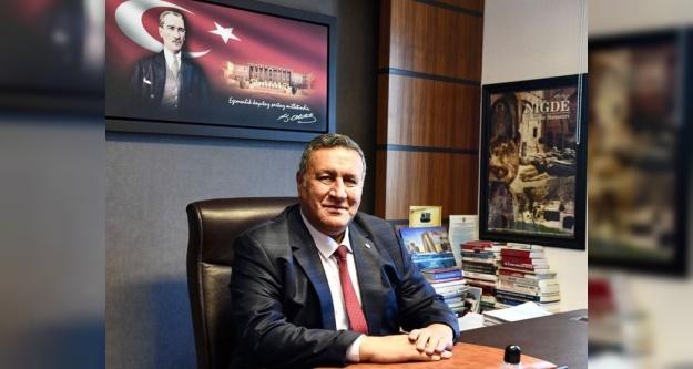 """Gürer, 'Atatürk'ün Cumhuriyeti Emanet Ettiği Gençler Mutsuz!"""""""
