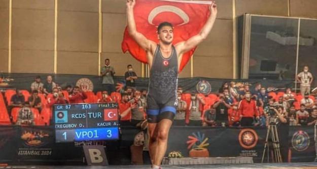 Niğdeli Pehlivan Dünya Şampiyonu Oldu!
