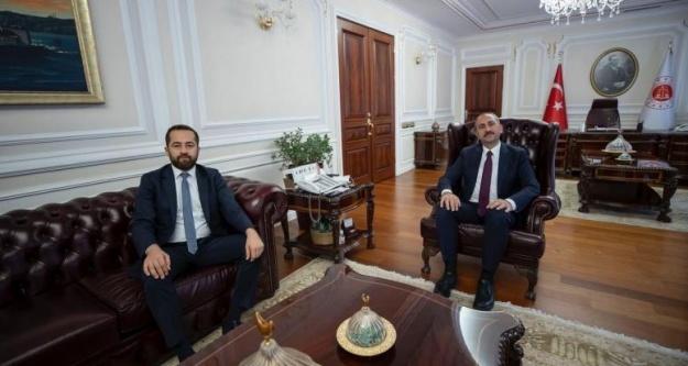 Baro Başkanı Öztürk, Adalet Bakanı Gül'ü ziyaret etti