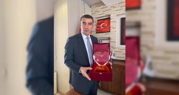 Başkan Serkan Güzel'e Uluslararası Ödül