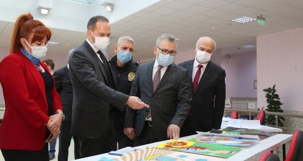 """Niğde Protokolünden 'Pandemi ile Değişen Dünyam"""" Resim Yarışması Seçici Kuruluna Ziyaret"""