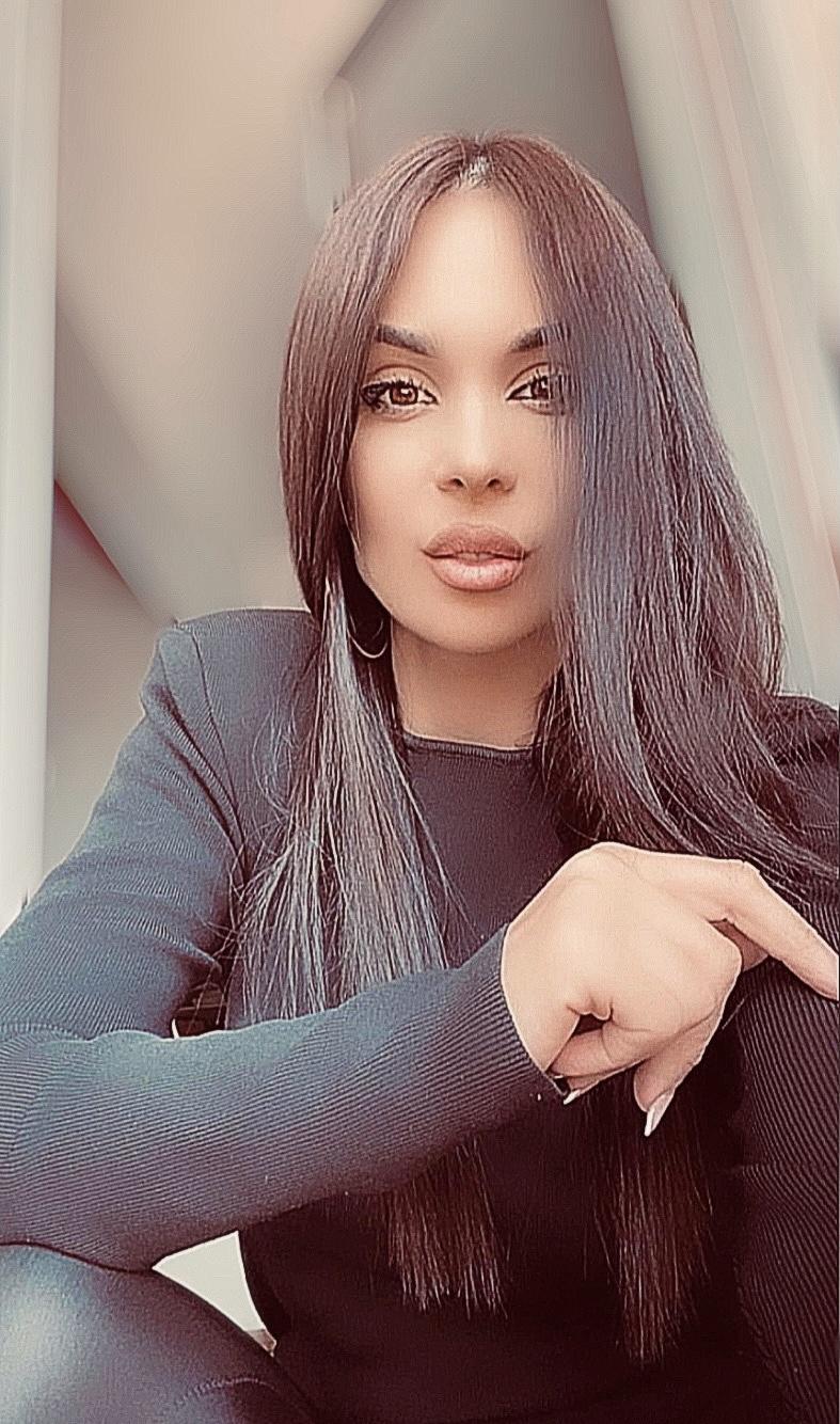 Karadağlı Sanatçı Marija Nikolič Röportajı