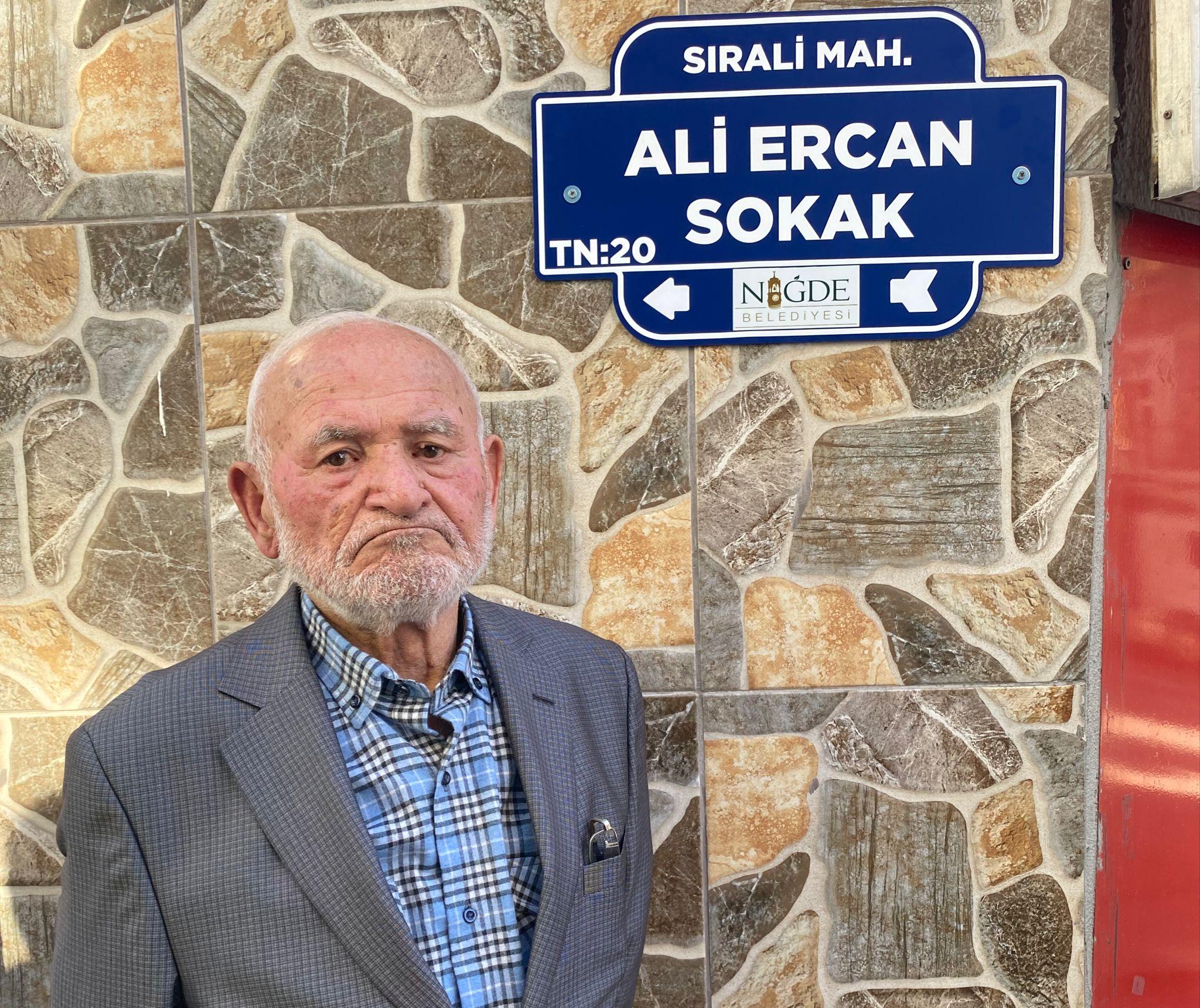 Sanatçı Ali Ercanın adı sokağa verildi